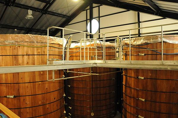 足立醸造 木桶仕込み小さな国産有機醤油